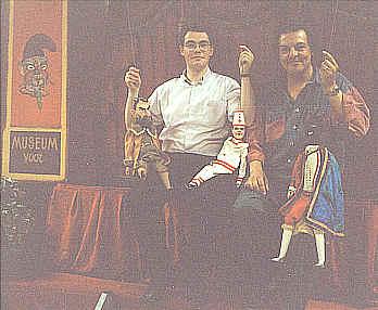 Dieter Vanoutrive en Koen Vergauwen op een reisvoorstelling in Mariakerke op 24 april 1993
