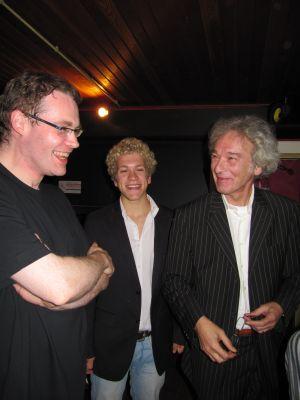 Dieter Vanoutrive met Tobias en Misjel Vermeiren, respectievelijk kleinzoon en zoon van Albert Vermeiren