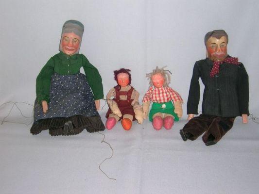 "Moeder, Hansel, Gretel en vader uit ""Hansel und Gretel"""